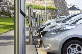 UK needs to install electric car chargers five times faster to hit goals