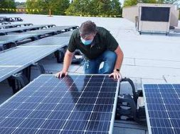 northrop-grumman-rolling-meadows-solar-panel-roof-lg