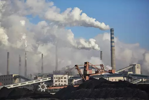 IEA says global CO2 emissions rising again after nearly 6% fall last year