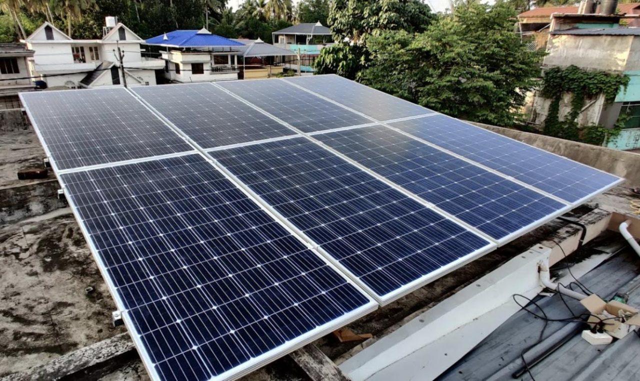 India lacks silica to make solar panels: Govt