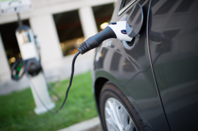 US to install half million electric vehicle charging stations