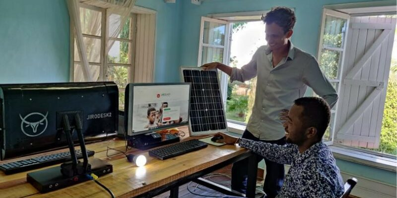 AFRICA: Jirogasy joins forces with Aceleron for solar-powered computers in schools