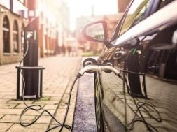 Allstar adds Plug-N-Go to EV charging network