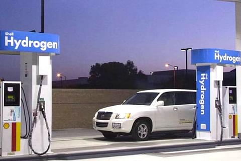 Central Govt Steps Up Mesures To Build Production Capacity Of Green Hydrogen: Report
