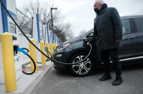 Electric vehicle charging stations could be boost for small towns along Illinois highways