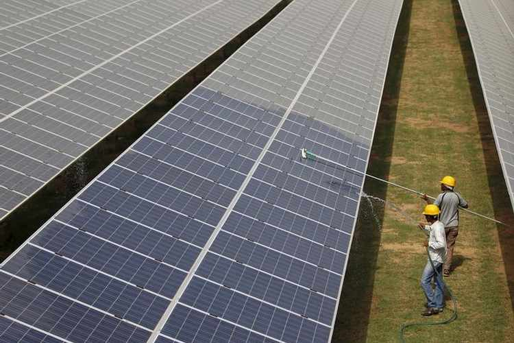 PROJECTS: Iraq in talks with Total, other firms for solar power projects