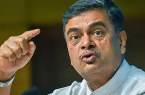 Power minister R K Singh meets John Kerry, discusses energy transition and emission reduction