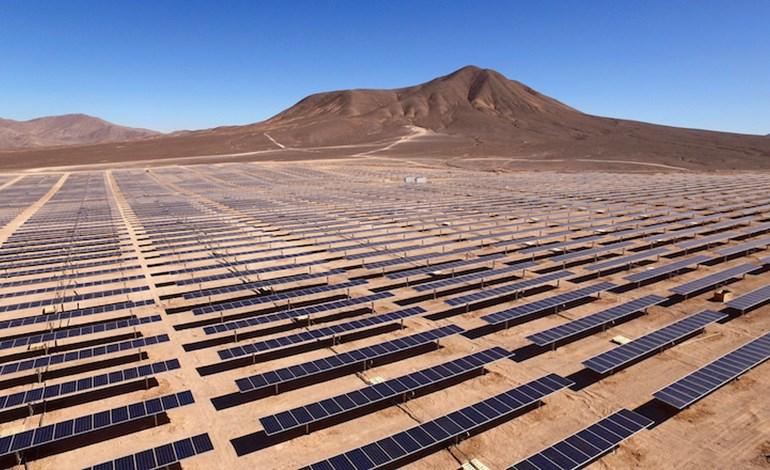 Massive hybrid floating solar farm takes shape on hydropower dam reservoir in Thailand