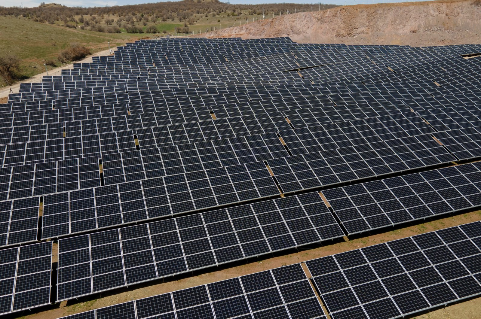 Moro Hub, Huawei to Build First Phase of the Largest Solar-Powered Data Centre in MEA