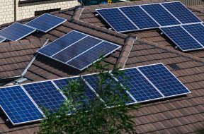 Victoria puts out call for virtual power plants with rooftop solar and batteries