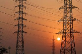 Discoms' outstanding dues to gencos fall 3% to Rs 78,379 cr in March