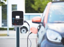 EV drivers move towards on-street charging