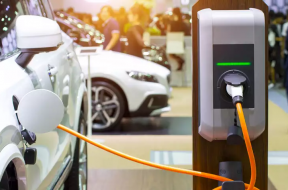GM partners up to offer about 60,000 EV charging points across Canada, U.S.