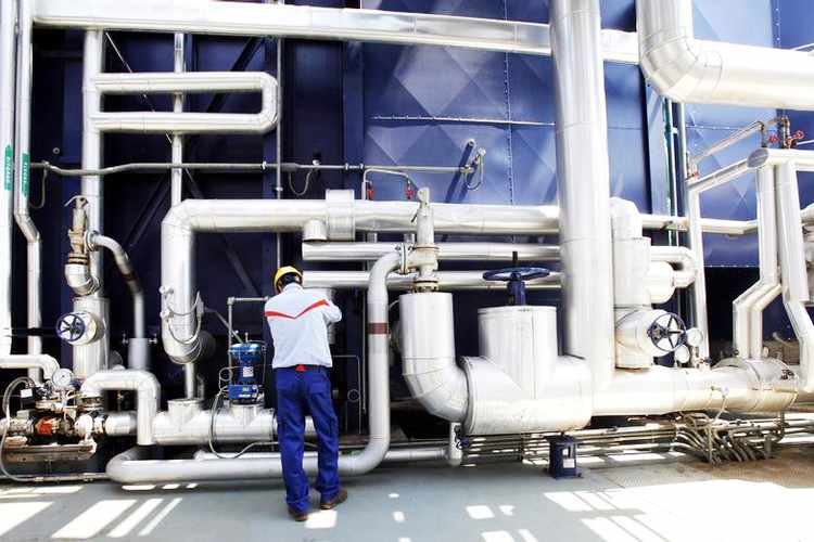 PROJECTS: Oman to Build Mega Green Hydrogen Project