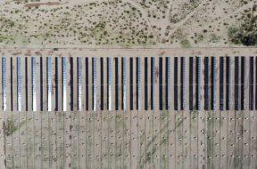 Spanish solar power plant supplier opens factory in KSA