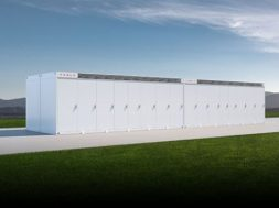 Tesla aiming for 'comparable margins in energy storage as in vehicles'