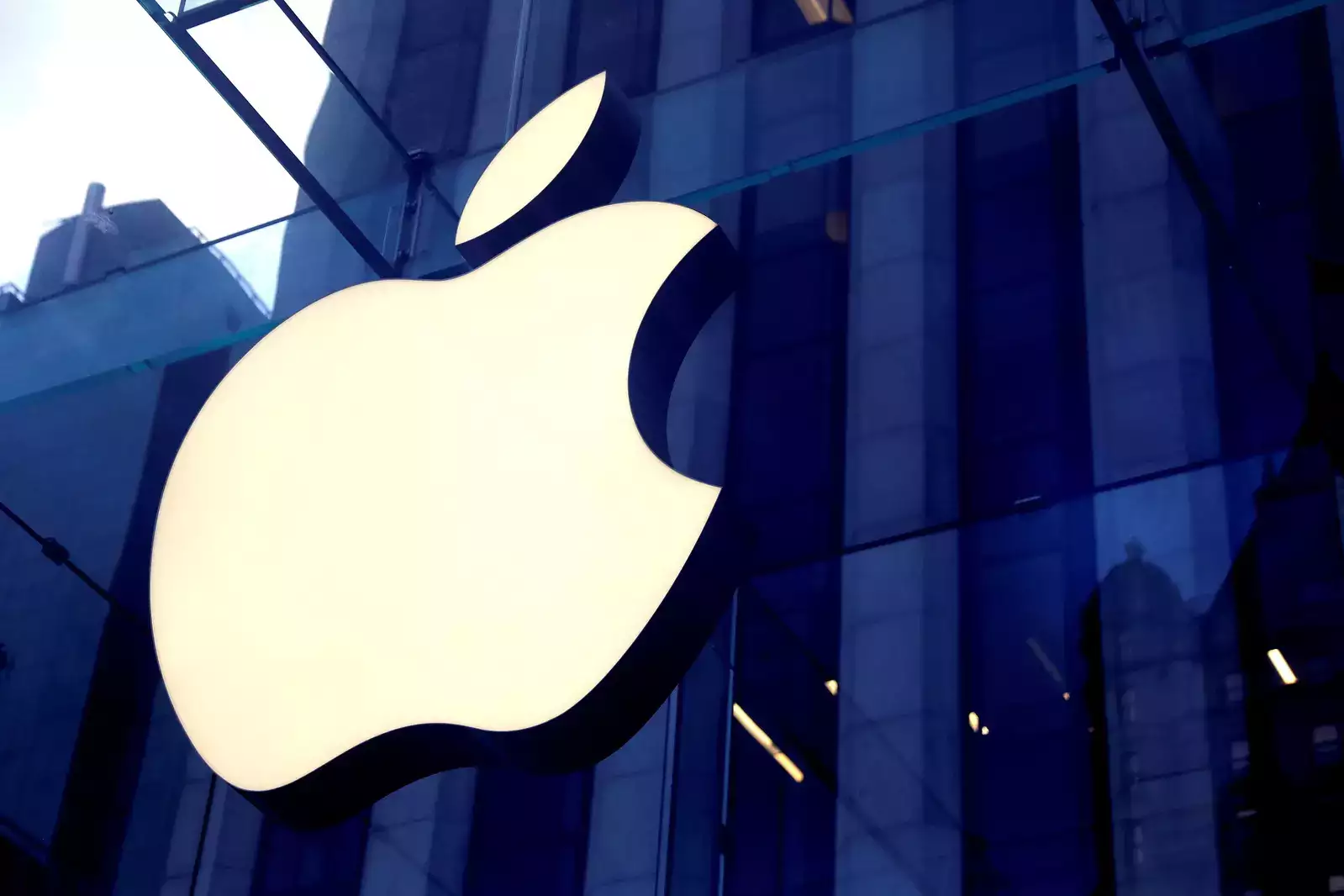 Apple Hires Ex-BMW Exec Kranz For Its Electric Car Project