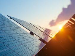 Dubai firm uses solar power to make water out of air