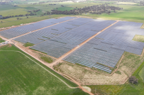 Investment in Australian renewables down as financing for big batteries soars