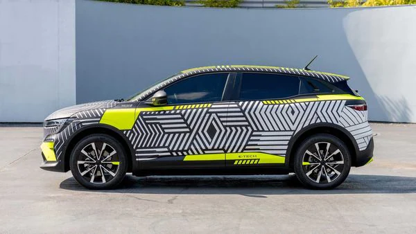 Renault Puts Unproductive French Plants to Work on Electric Vehicles