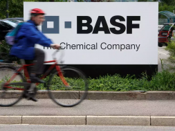 BASF, Porsche to develop high-performing lithium-ion batteries