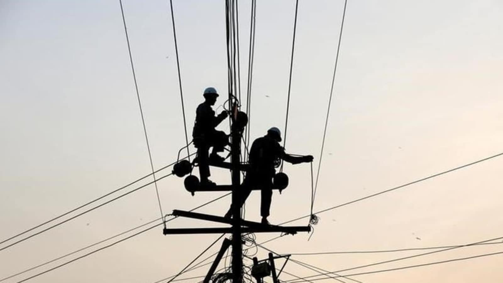 Bill Allowing Change of Power Connections Like Telecom in Queue in Parliament