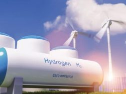 EGYPT Italy's ENI diversifies, will produce and export green hydrogen