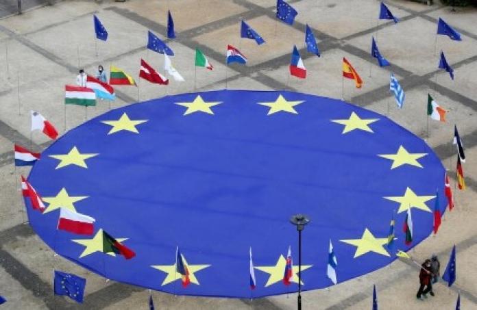 EU bets on energy savings, greener buildings to meet climate target
