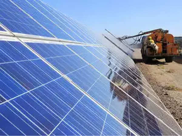 Mahindra & Mahindra to Adopt 58 MWp Captive Solar Plant in Maharashtra