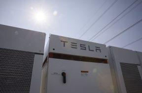 Tesla Plotting Battery-Storage Entry into Japan's Power Market