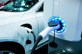Electric vehicle batteries Major players and their expansion plans