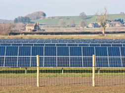 Quinbrook to build $370m solar and energy storage project in UK